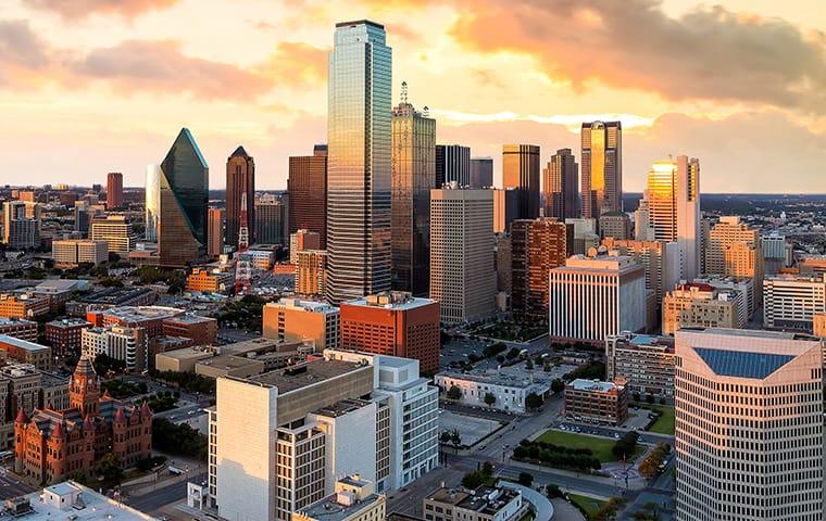 a skyline view of the dallas texas metropolitan area