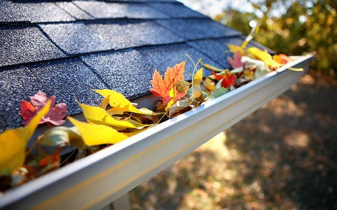 leaves in gutter of a yakima county wa home