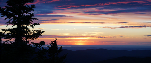 Trails in a New Light: A Guide to Sunrise and Sunset Hikes