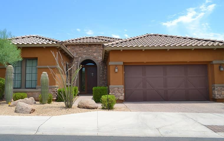 a home and garage in anthem arizona