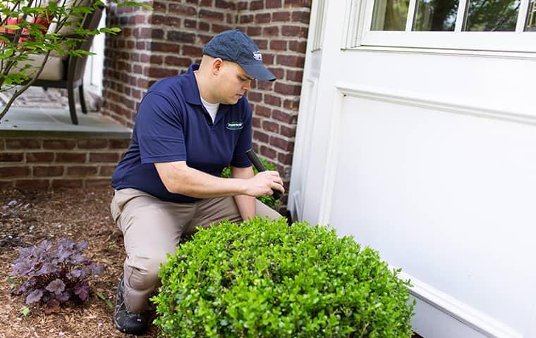 parkway technician inspecting a new york home