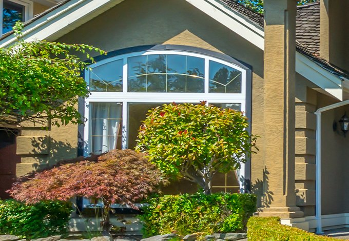 a home and landscaping in briarcliff manor new york