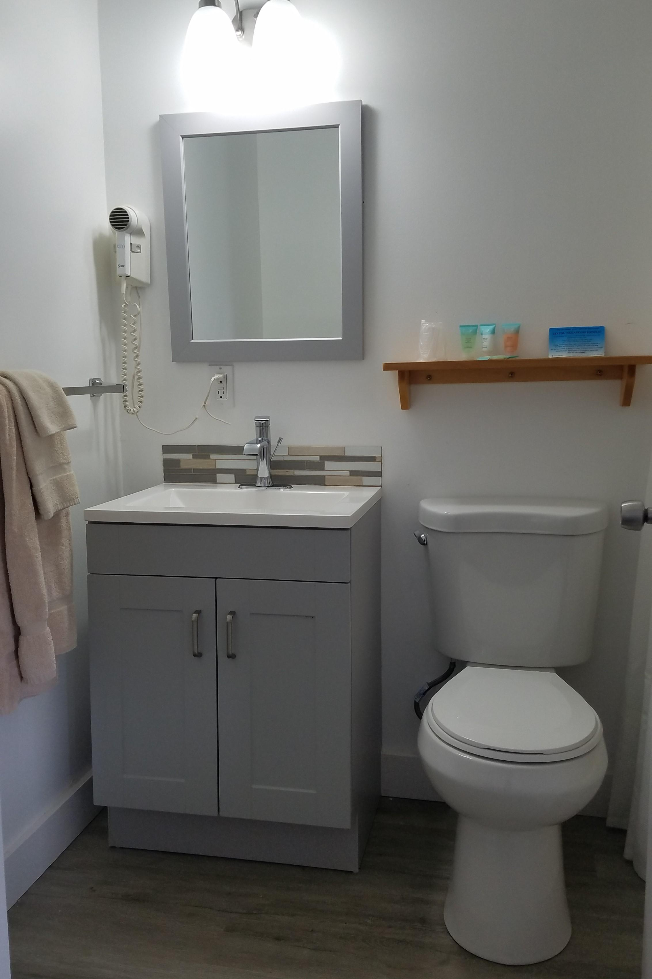 full bathrooms for lodging in acadia national park