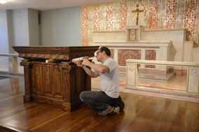 Setting the altar top.