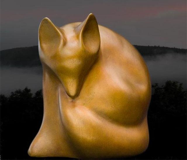 sculpture of arctic wolf