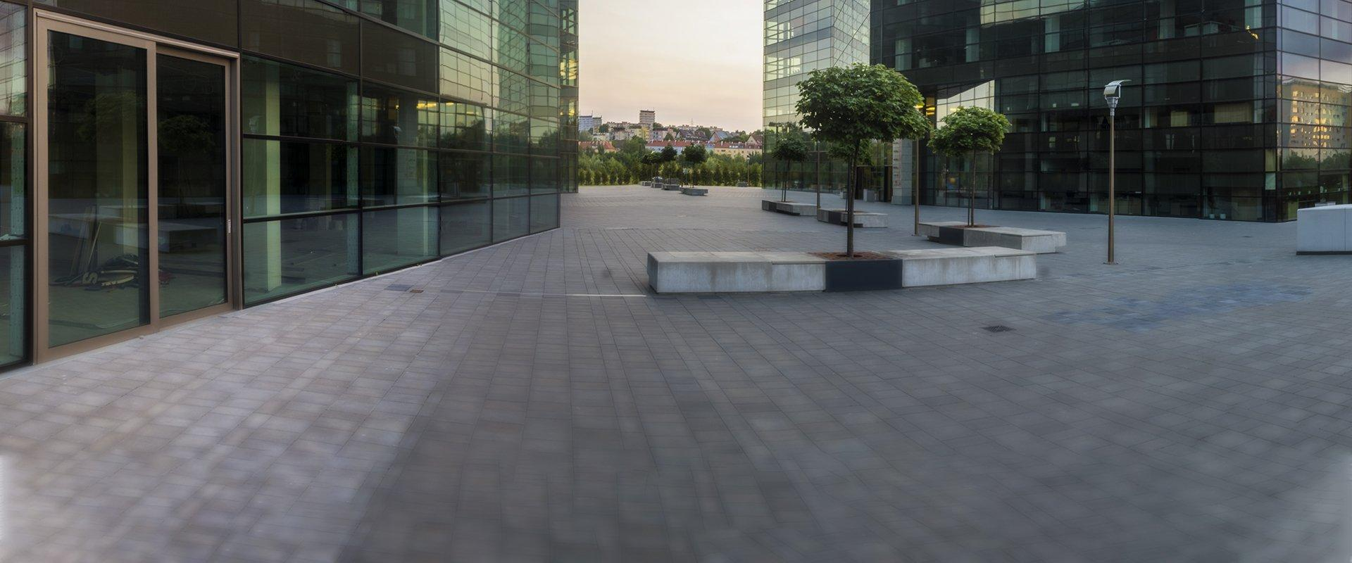 view of a courtyard outside of a commercial building in las vegas nevada
